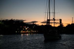 Hebebrücke_Dinghy_Dock